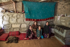The four Zazai sisters left Kashmir in Pakistan where they were born, and where they grew up 6 months ago. They never saw Afghanistan before they had to leave Pakistan. Originaly from Paktia province they live in an Informal Settlement in Jalalabad. Most inhabitants of Informal Settlements are internally-displaced people (IDPs) fleeing conflict, and insecurity in their provinces of origin, or returnees from Pakistan. Informal Settlement suffer from insufficient hygiene and sanitation, lack of clean water, and the constant threat of eviction.
