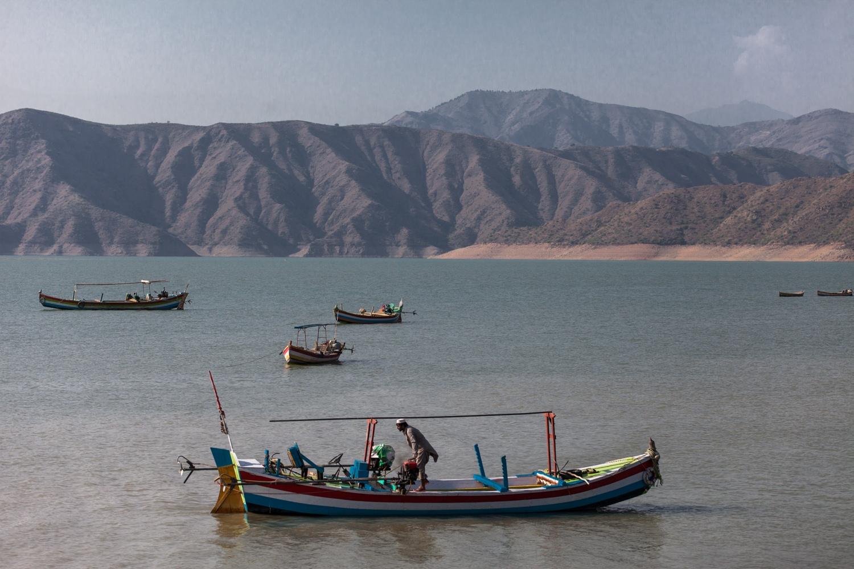 Le lac de Tarbala à Haripur, est l'un des plus grands lacs du Pakistan, c'est un réservoir nourri des eaux du fleuve Indus.Il est  situé à 3 km au sud de la région de Haripur, Khyber Pakhtunkhwa..